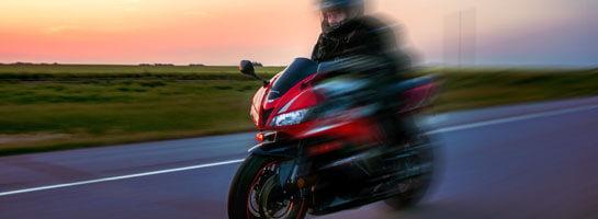Kundenreferenz Digades: Motorradfahrer in Bewegung