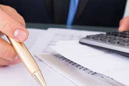Branche: Finanzen & Versicherungen. Kundenreferenz: DZ Service