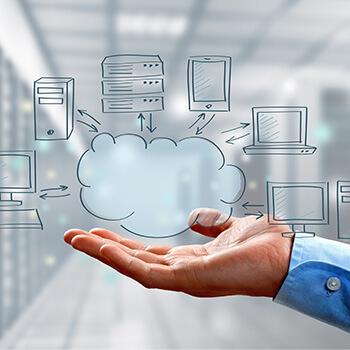 CRM für die Industrie: Beitragsbild zum Thema Cloud-Technologie